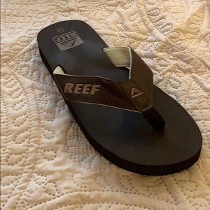 Reed brand brown flip flops